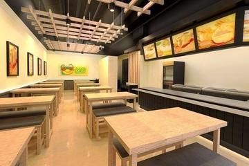 Interior retail Bakso Atom