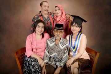 Soft Makeup for Intan's Graduation and Intan's Sister