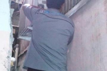 Tokoh Masyarakat RW02 Kota Bambu Utara H. Saipul: Pemeliharaan rutin berupa pengecekan kondisi unit indoor & outdoor, cuci ac dan tambah freon