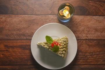 Green tea milky cake