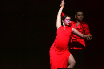 Dancing salsa through a la Chinese outfit [Sinology Festival XV, University of Indonesia 2015]