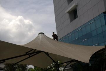 Pembersihan Gedung Tinggi