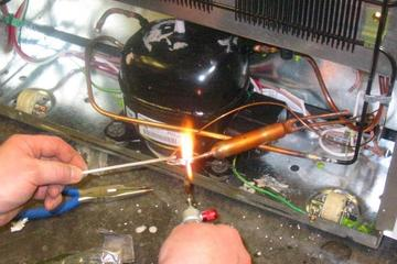 Pengelasan untuk Ac bocor ,isi freeon kulkas.ganti kompresor