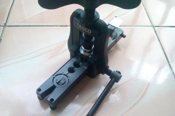 Flaring tool made in Japan untuk memperoleh sambungan yang mantap mencegah terjadinya bocor freon