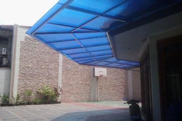 Kanopi dengan Rangka Hollow Stainless dan atap policarbonate Merk Twinlite ,Lokasi pekerjaan di Jl Perdana  jelambar Jakarta Barat