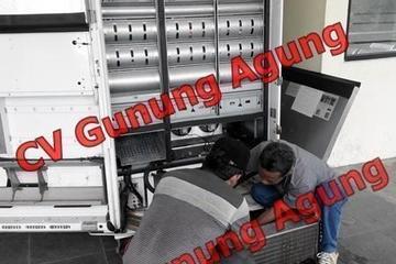 Service vending machine