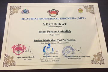 Sertifikat Pelatih Muay Thai Pro Nasional, disahkan oleh Muaythai Profesional Indonesia, Sport Authority of Thailand, dan BOPI