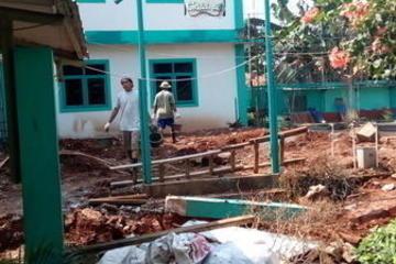 Pembangunan gedung laboratoriun sekolah an-nisa. Pondok aren