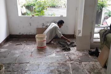 Proses bongkar pasang keramik