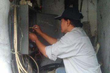 main panel 3 fasa 380 V yg jaringan kabelnya bermasalh