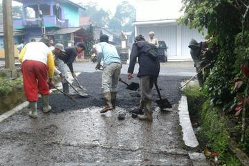 Pengaspalan jalan desa Babakan, Wanasaya, Purwakarta