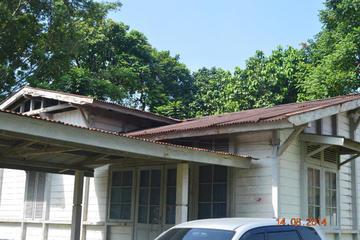 Rumah kayu sebelum di renovasi