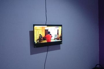 TV 40 inch untuk Hiburan keluarga